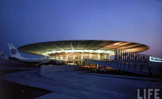 Worldport-JFK-Terminal-3-Delta-Pan-Am  The Modernist Architecture at JFK Airport in NYC Worldport JFK Terminal 3 Delta Pan Am 640x390