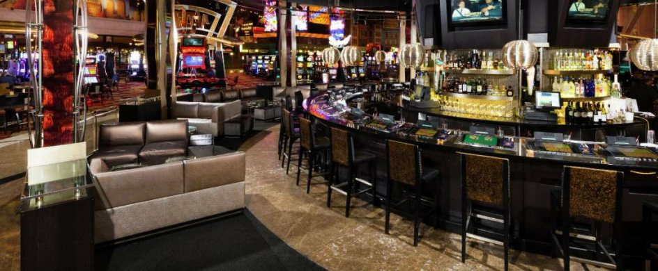 5 New York Bars To Get Waisted new york bars 5 New York Bars To Get Waisted new york new york bar center bar 944x390